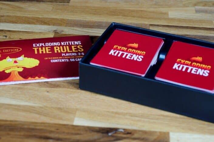 Exploding kittens card kit